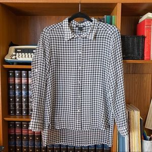 H&M gingham high low button down blouse
